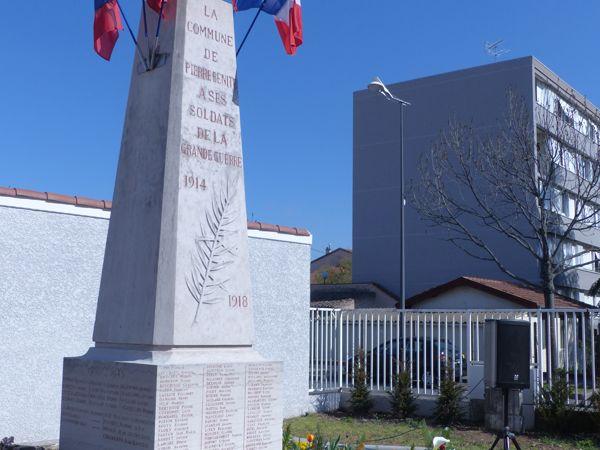 monument_en_fleurs_au_soleil_web